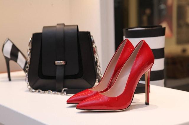 boutique-contemporary-elegant-336372
