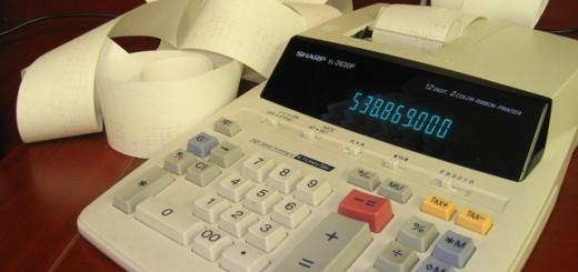 accounting-calculator-1-1241522-640x480